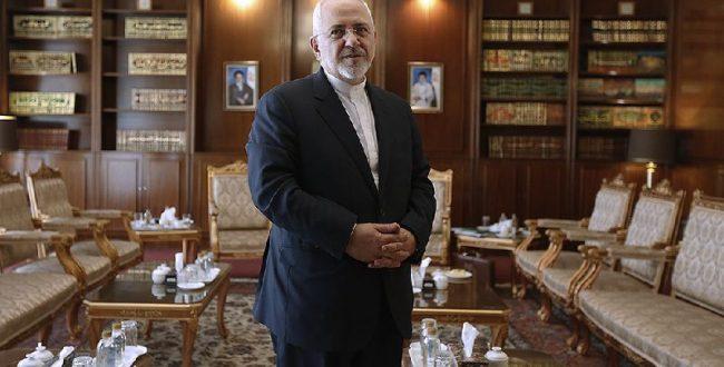 «محمدجواد ظریف» وزیر امور خارجه در حاشیه جلسه کمیسیون امنیت ملی و سیاست خارجی مجلس شورای اس