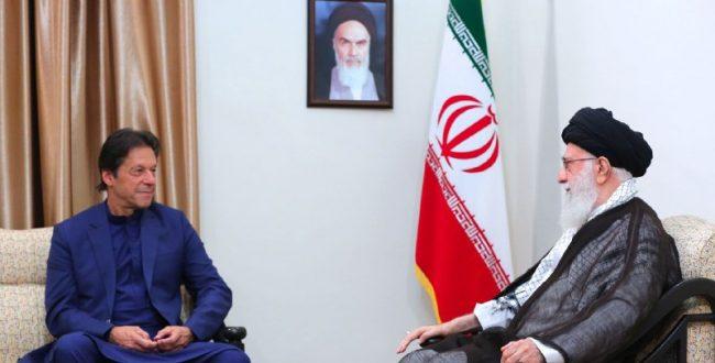 «حضرت آیت الله خامنهای» رهبر انقلاب اسلامی در دیدار آقای «عمران خان»