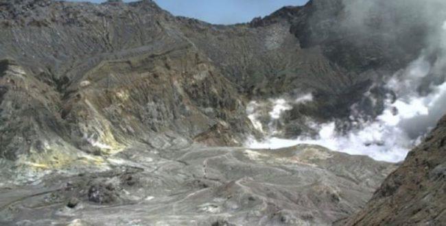 آتشفشان در نیوزیلند جان یک ن