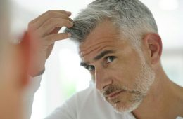 سفیدی موها در سنین میان سالی و کهنسالی