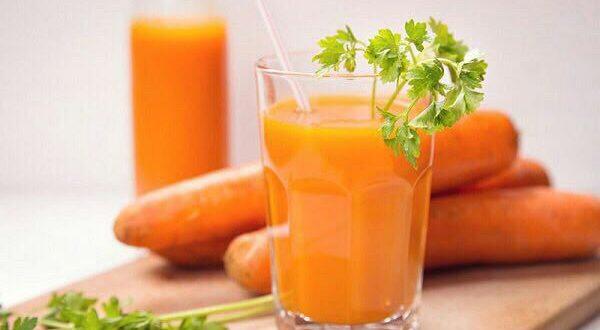 برای چاق شدن صبح ها آب هویج بخ