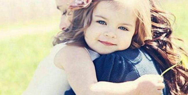 محبت و نوازش تان را به صورت جسمانی به کودک نشان دهید