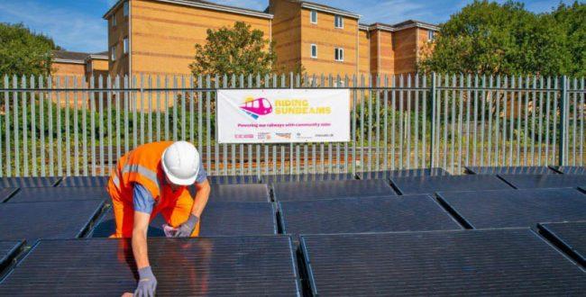 راهاندازی اولین راهآهن مبتنی بر انرژی خورشیدی در انگلستان