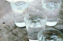 عوارض مرگبار نوشیدن آب یخ در تابستان